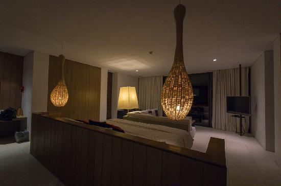 Veranda High Resort Chiang Mai - MGallery Collection: 房间灯光昏暗,但温馨