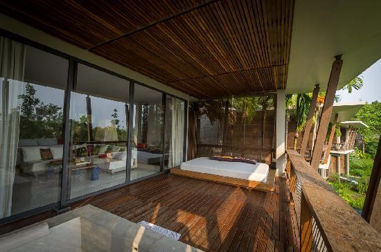 Veranda High Resort Chiang Mai - MGallery Collection: Pavilion的大阳台,近处是Jacuzzi