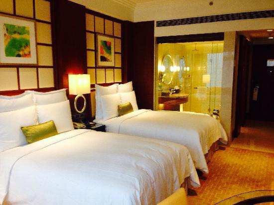 Shanghai Marriott Hotel City Centre: 标间