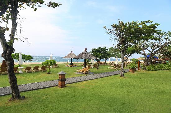 Ayodya Resort Bali: 酒店私人海滩