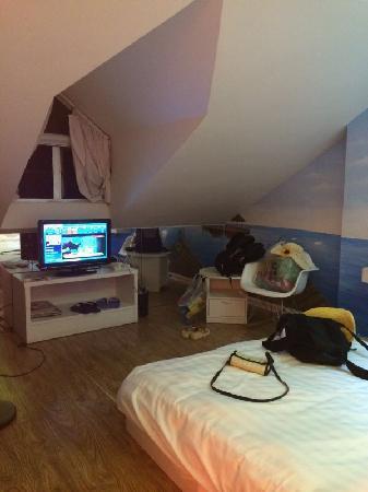 Yueqinggang Hotel: 悦情港