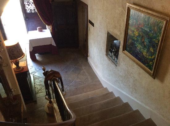 Chateau de Vault-de-Lugny : 通往御膳坊