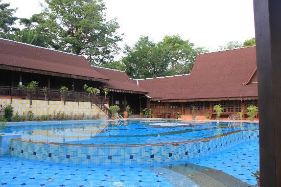 Kampung Tok Senik Resort Langkawi: 最爱的泳池