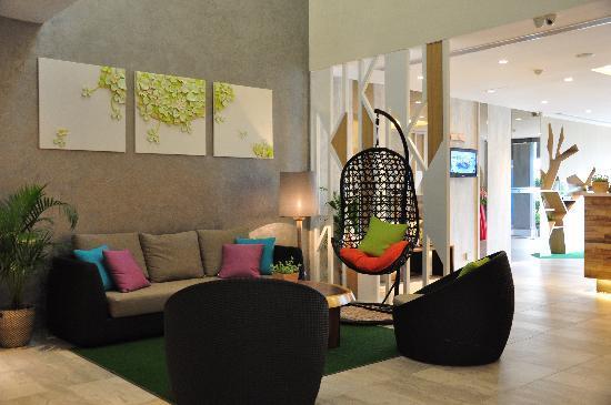 Champion Hotel: lobby