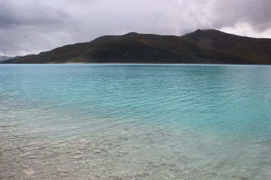 Basongcuo Lake Tourist Area: 玉石一般的巴松错