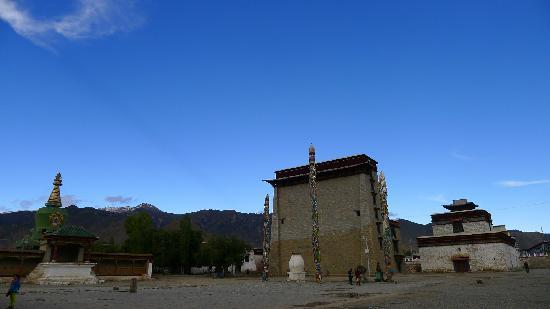 Paxia Monastery: 帕夏寺的配殿