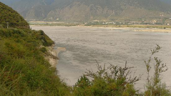 Niyang River: 林芝的母亲河