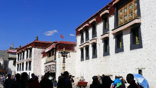 西藏自治区拉萨市八廓街步行街