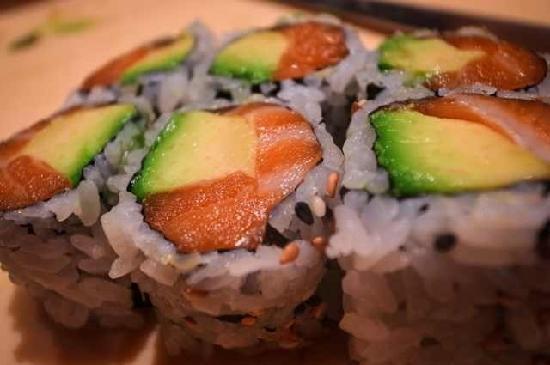 Yume Asian Bistro: salmon avocado roll
