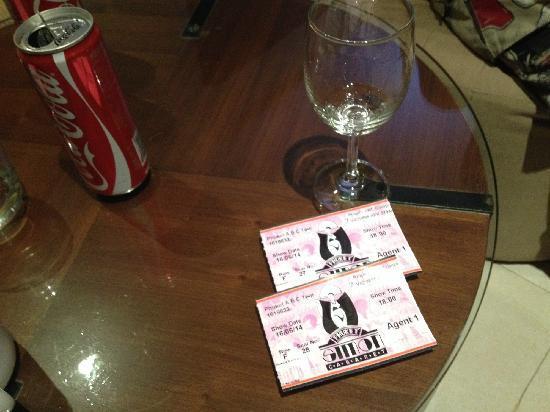 Phuket Simon Cabaret : 演出票。剧场不让拍照