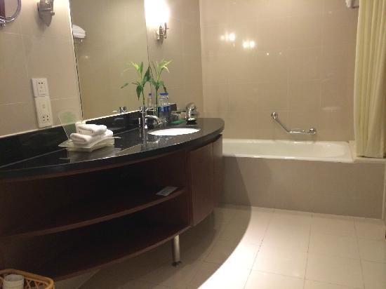 Holiday Inn Jasmine Suzhou Hotel: 浴室
