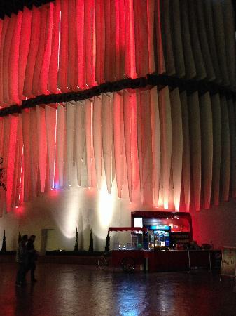 Ferrari World Abu Dhabi: 园内环境