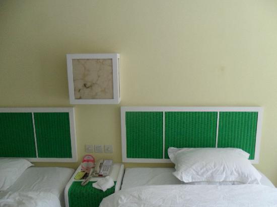 Resort Intime Sanya : bed
