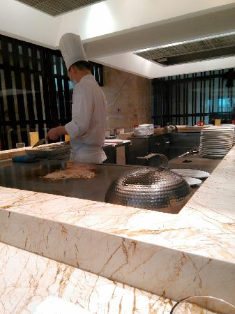 Yang Guang Hao Sheng Restaurant Zha Zha Ya Zhou Mei Shi Restaurant