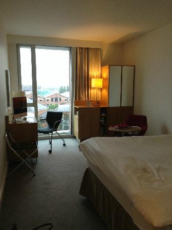 Doubletree by Hilton Hotel Leeds City Centre: 房间大小适中