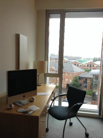 Doubletree by Hilton Hotel Leeds City Centre: 苹果电脑 可以直接当电视用