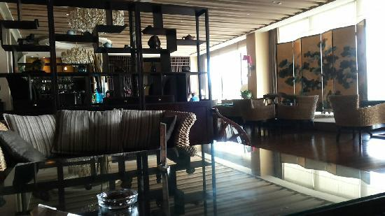 Friendship Hotel Fushun: 酒吧