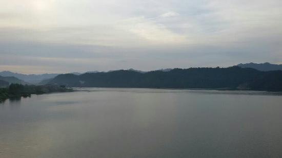 Hilton Hangzhou Qiandao Lake China : 日出