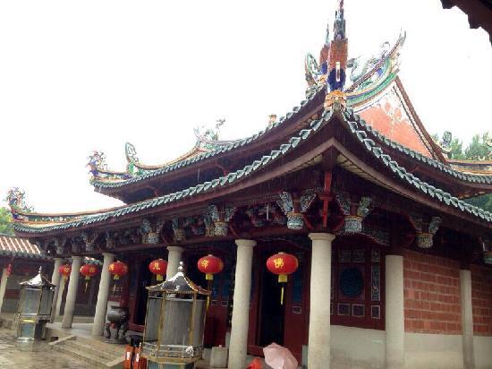 Fujian Quanzhou Chengtian Temple : 寺内大殿