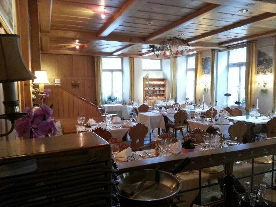 Hotel Interlaken: 房间虽然小点,可是很干净,这里的酒店都是很安全的房间钥匙自己拿着走的时候自己放在那里就可以的。