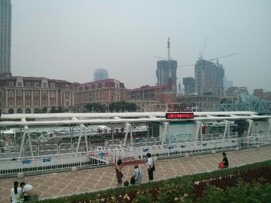 天津海河游览船