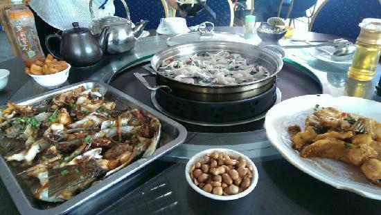 ShunDe Gong Yu Dou Xuan Hotpot