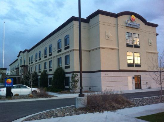 Comfort Inn & Suites: 酒店外观
