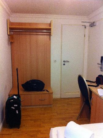 Hotel Budapester Hof: Room405