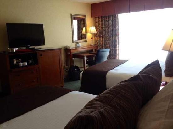 Hotel RL By Red Lion Salt Lake City: 性价比很高的宾馆,有很大的停车场