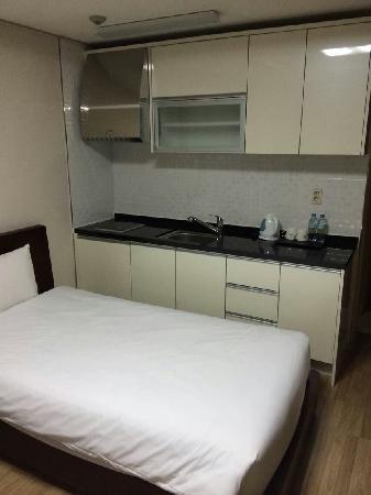 The Hotel Yeongjong: 床铺