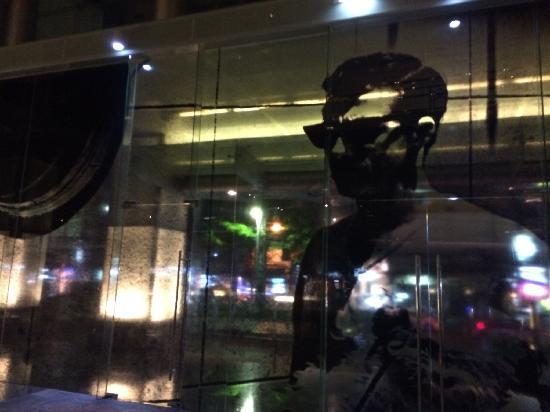 Le Meridien Bangkok: Lobby