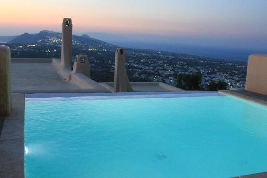 Hidden Cave Hotel: pool