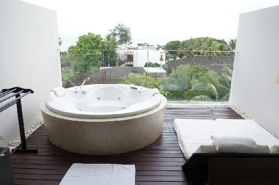 Veranda Resort and Spa Hua Hin Cha Am - MGallery Collection : 晒台上的