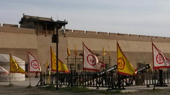 Jiayuguan Fortress : 嘉峪关关城