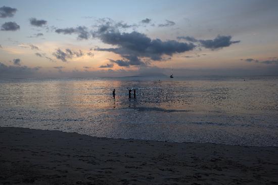 Berjaya Beau Vallon Bay Resort & Casino - Seychelles: Nightfall