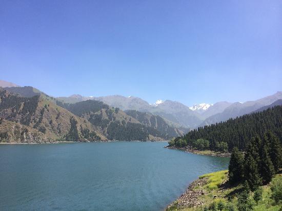 Tianshan Tianchi Lake : 天山天池