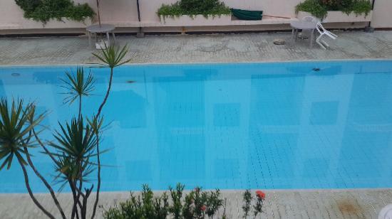 Saipan Ocean View Hotel: 海景酒店的游泳池。