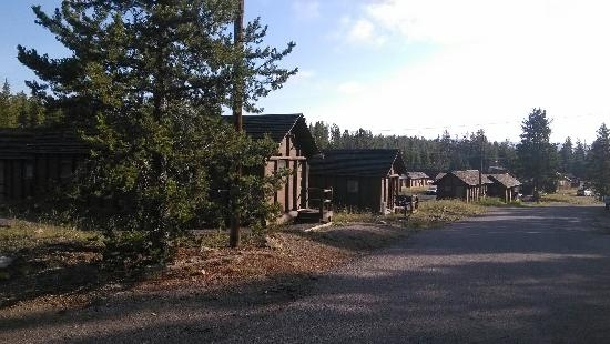 Lake Lodge Cabins: Cabin区一角