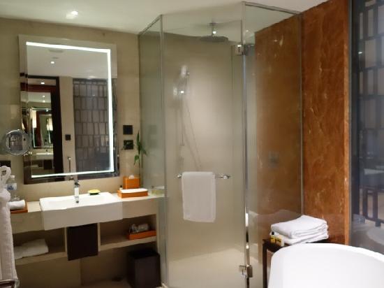 Hyatt Regency Qingdao: room