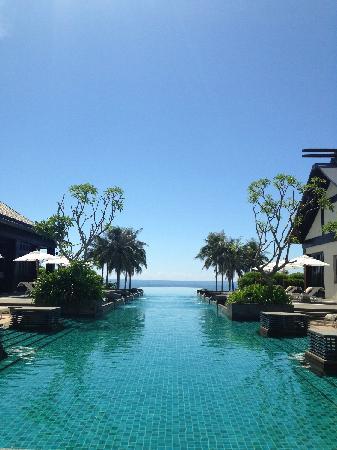 Narada Resort & Spa  Perfume Bay: 酒店游泳池