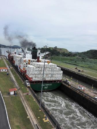 Canal de Panamá: 巴拿马运河