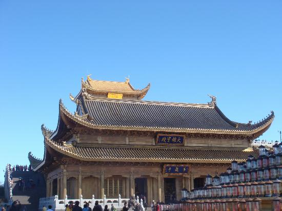 Huazang Temple: 华藏寺显得很精美