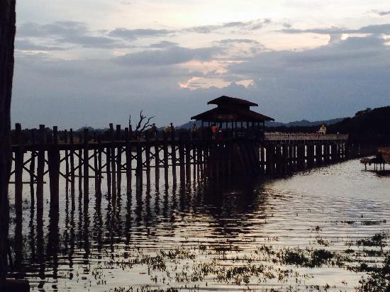 U Bein Bridge: 乌本桥