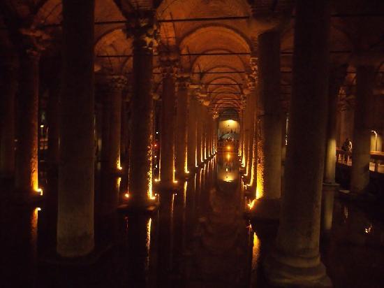 Cisterna Basílica: 水宫