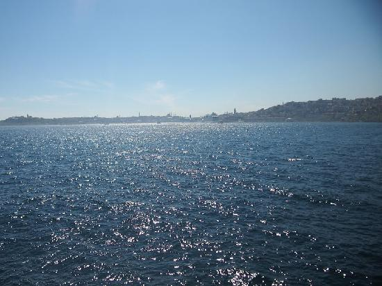 Bosphorus Strait : 海峡