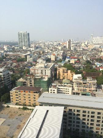 Holiday Inn Express Bangkok Siam : 窗外景色