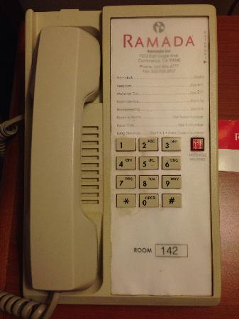 Ramada Commerce/Los Angeles Area: 房间内电话机