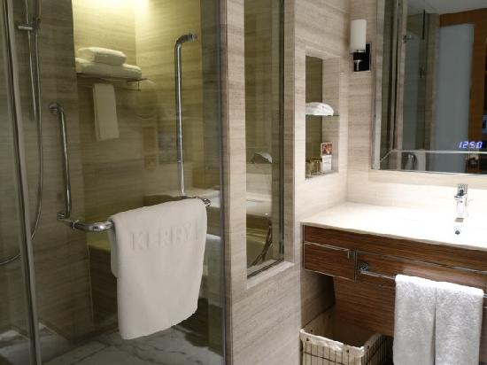 Kerry Hotel Beijing: bath room
