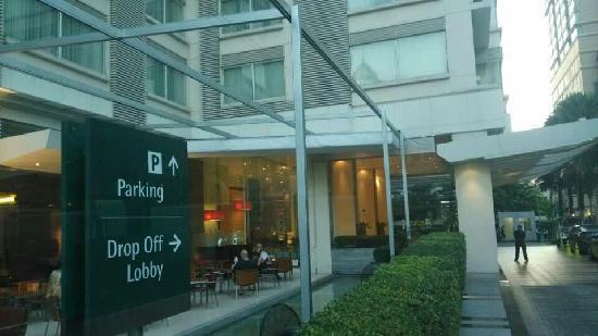 Courtyard by Marriott Bangkok: 高端大气