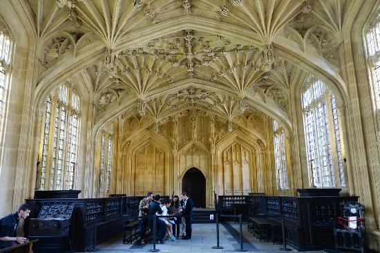 Bodleian Library: 庄严的图书馆